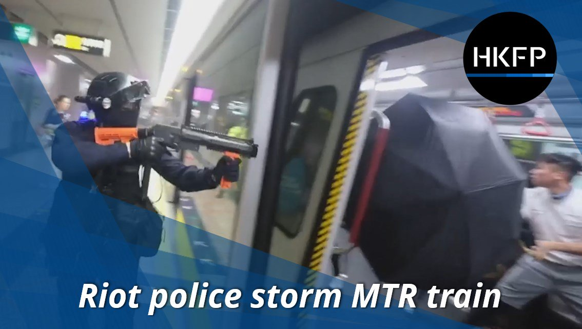 Graphic footage from Sat night shows how #HongKong police stormed Prince Edward MTR station, beating people and making arrests on the platform and train. Video: Pakkin Leung, Rice Post.  Full story: http://bit.ly/2NIqR41    #China #hongkongprotests #antiELAB @hkpoliceforce