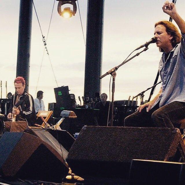 Pearl Jam Holland (@PearlJamHolland) | Twitter