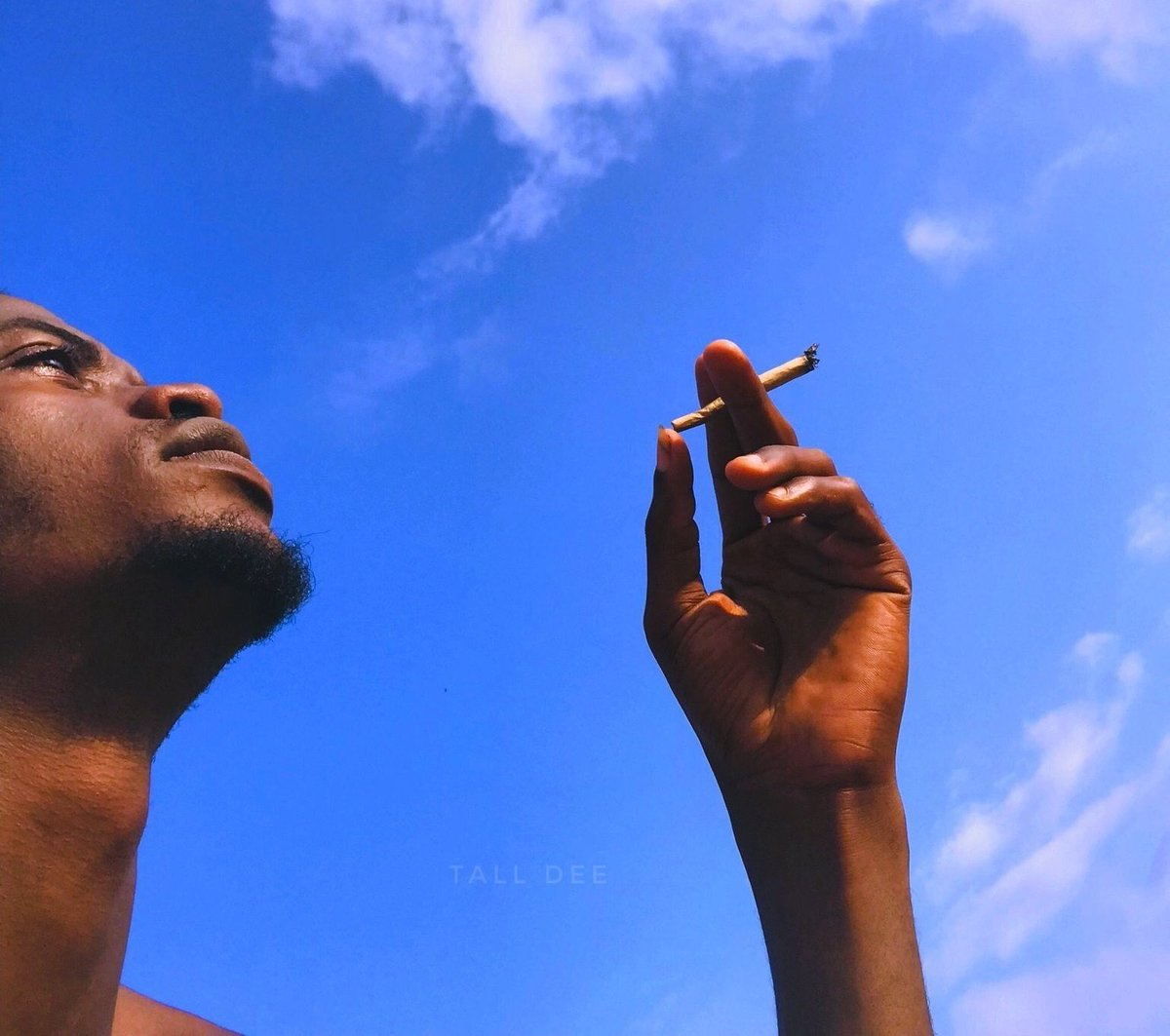 Smoke ekwele weed   The slowest weeding of the century was between Glory and Simon.                                     Courtesy                             GloSim(the couple) <br>http://pic.twitter.com/jgeavH96x1