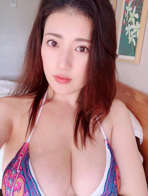 グラビアアイドル草野綾のTwitter自撮りエロ画像15