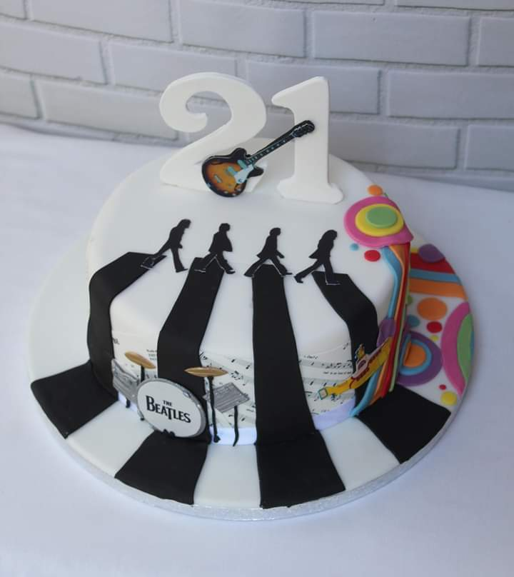 Magnificent Victoriaspongecakes On Twitter A 21St Birthday Beatles Themed Funny Birthday Cards Online Bapapcheapnameinfo