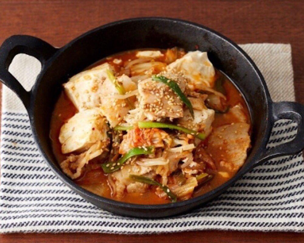 【レシピ】『包丁不要!豚キムチ豆腐』食べたい時に水100mlを注ぎ8分チン!