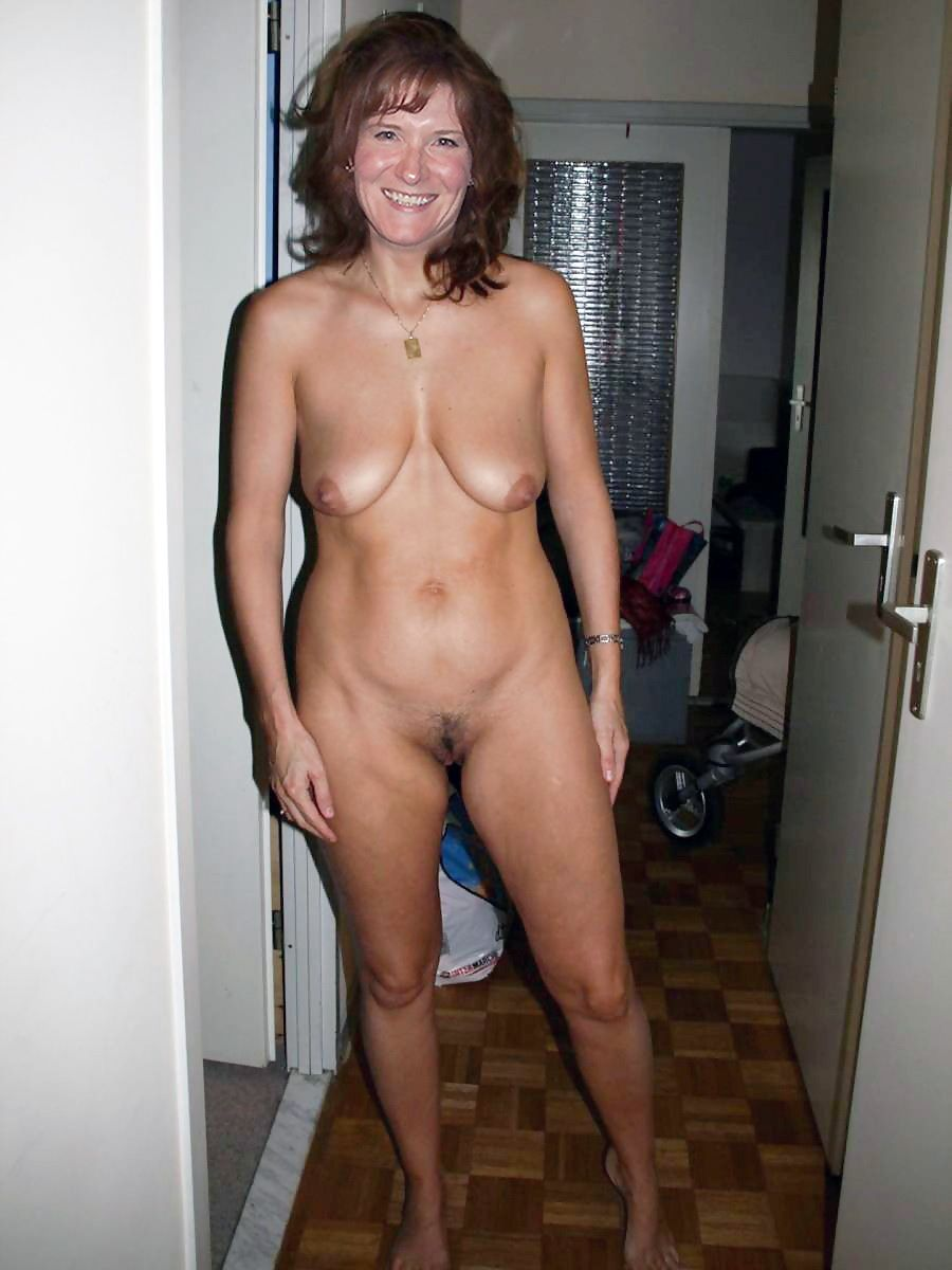 Real natural nude housewife photos
