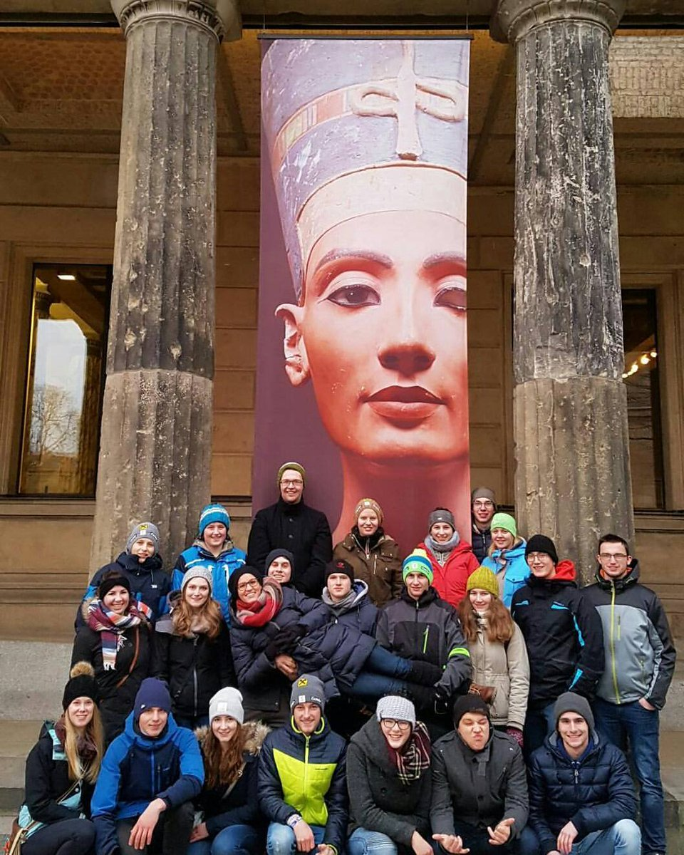 On Twitter Visitors Of Neuesmuseum In Berlin Take Photos With The Amazing Beautiful Queen Nefertiti Of Egypt Before 3300 Years مصر Egypten Egypt Egyptians Tourism Travel Culture Visit Egypt World