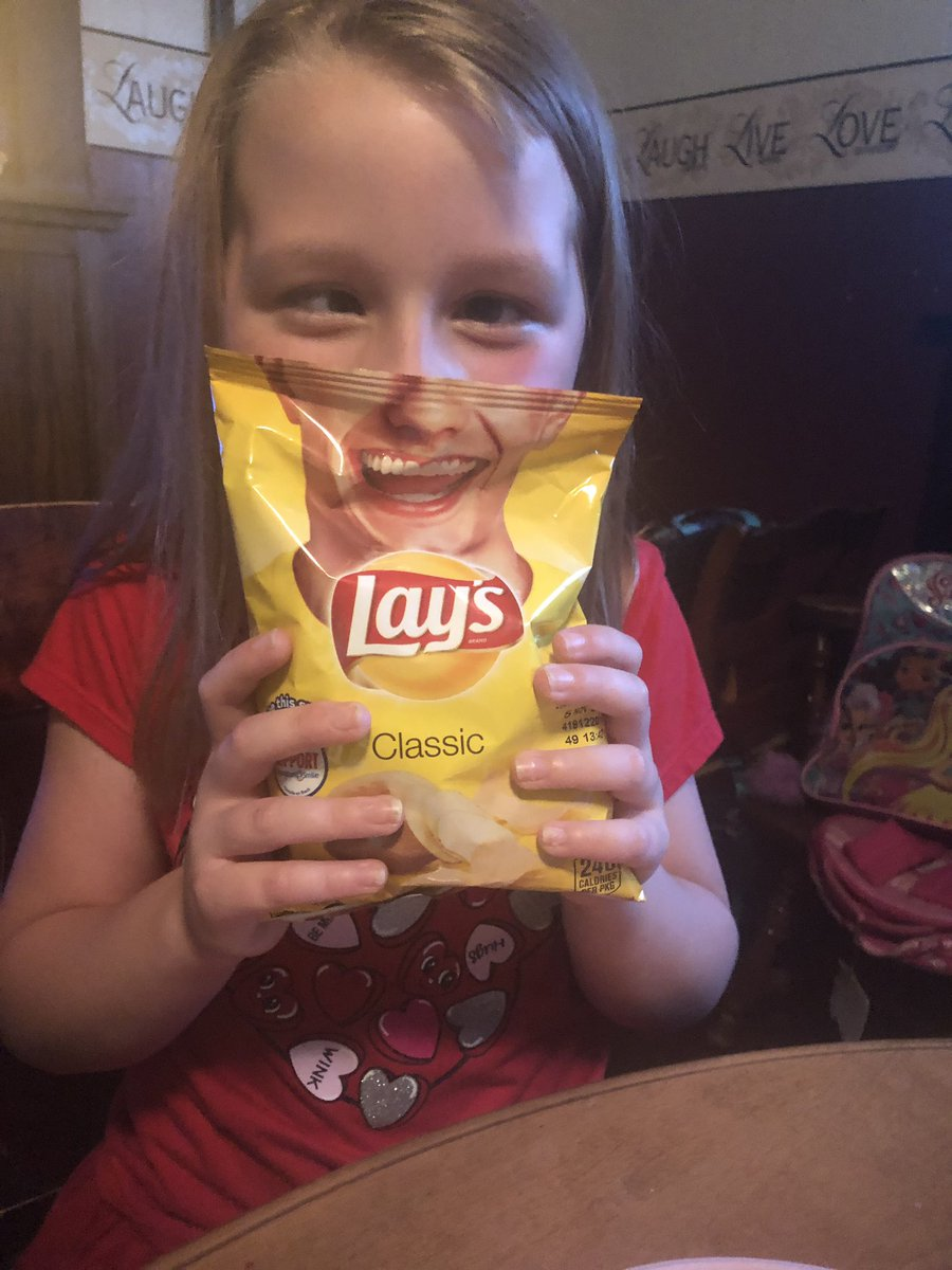 lays hashtag on Twitter