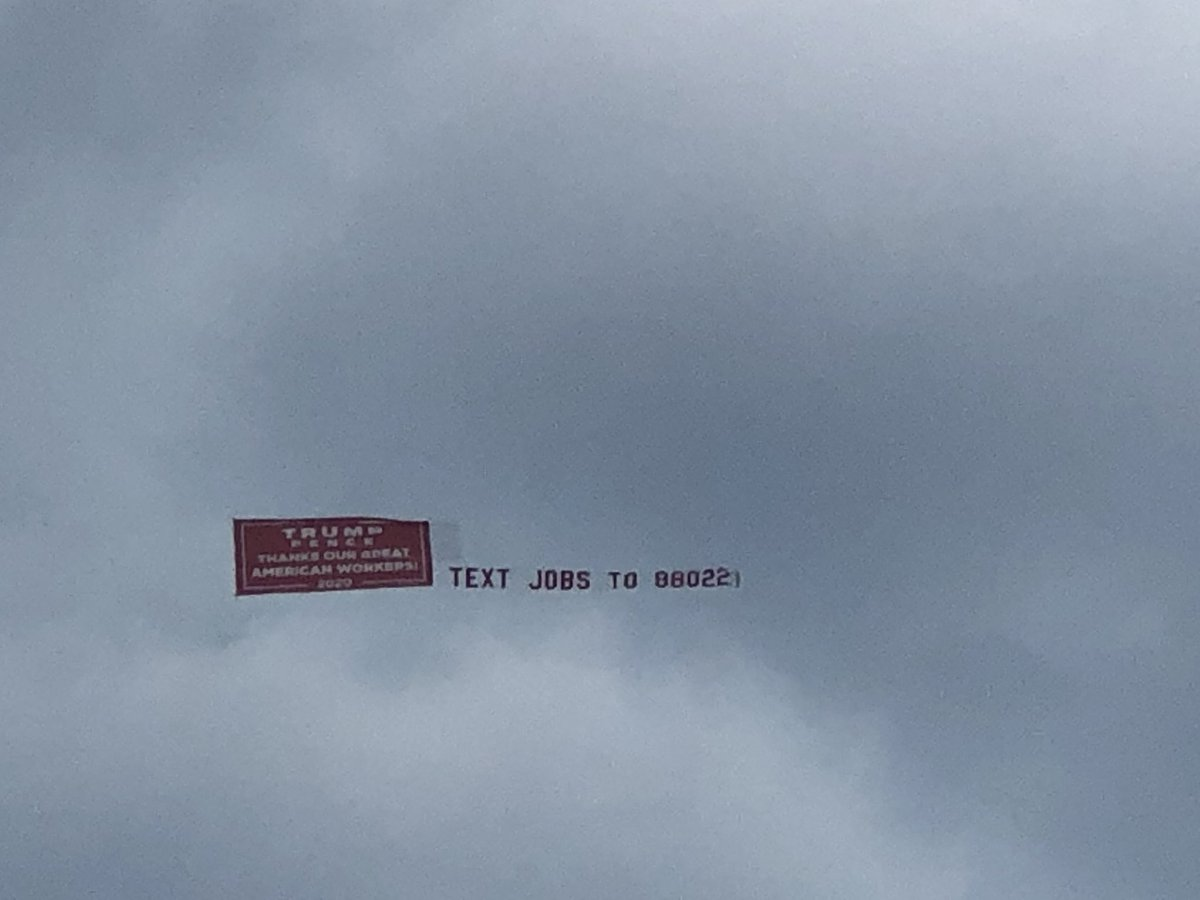 Trump sent the message that he looks down on Wisconsin workers by hiring a pilot to fly a banner over #LaborFest in Milwaukee rather than doing anything to actually show up on the ground. https://t.co/8eztTQn1lj