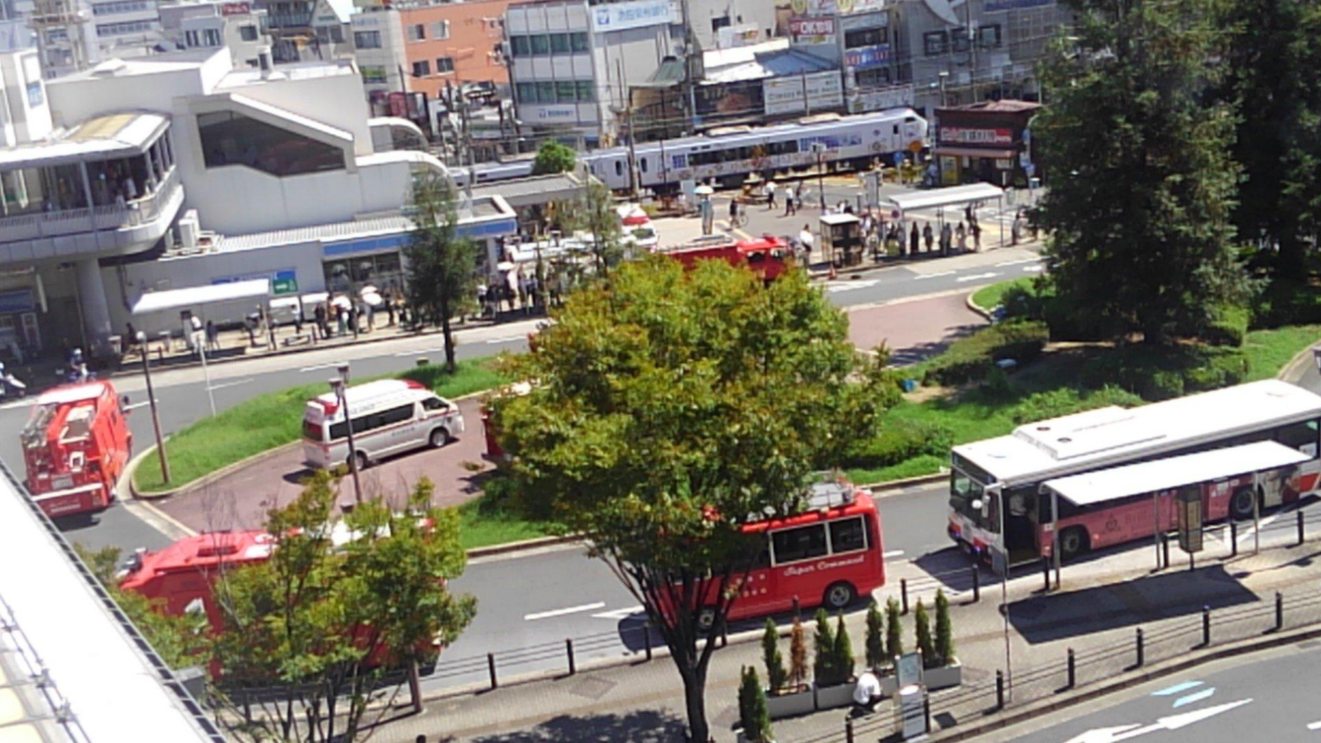 阪和線の堺市駅でハローキティはるかと人が接触した人身事故の現場画像