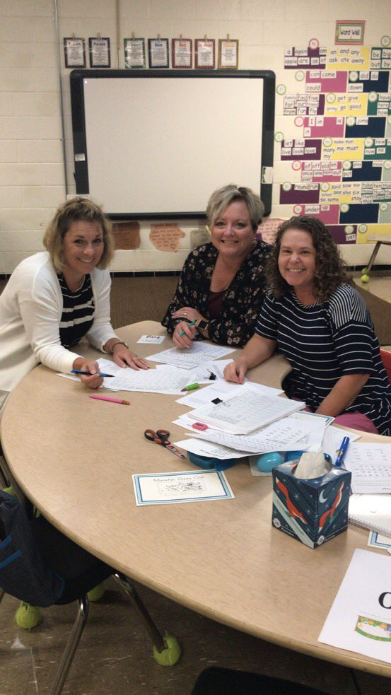 For this #ThankATeacherTuesday I'd like to say thanks to @MindySteinbach, Rhonda Reedy, and Tammy Crowley for all their hard work testing students and gathering baseline data this year! We couldn't do it without them! @ClintonMoCards https://t.co/nlDZR40xmp