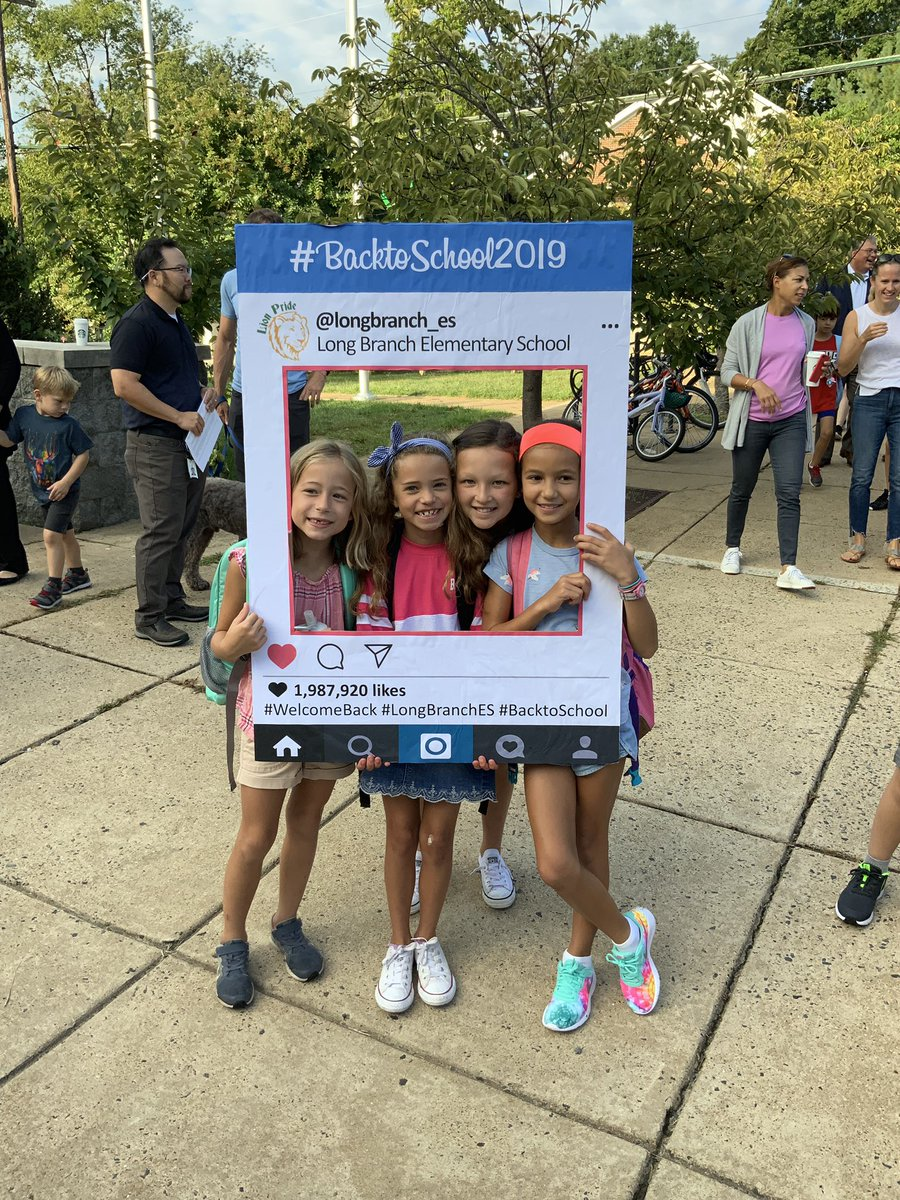 RT <a target='_blank' href='http://twitter.com/longbranch_es'>@longbranch_es</a>: First day feelings!! 🦁<a target='_blank' href='http://search.twitter.com/search?q=APSBack2School'><a target='_blank' href='https://twitter.com/hashtag/APSBack2School?src=hash'>#APSBack2School</a></a> <a target='_blank' href='http://search.twitter.com/search?q=backtothebranch'><a target='_blank' href='https://twitter.com/hashtag/backtothebranch?src=hash'>#backtothebranch</a></a> <a target='_blank' href='https://t.co/ZpysGn9VFu'>https://t.co/ZpysGn9VFu</a>