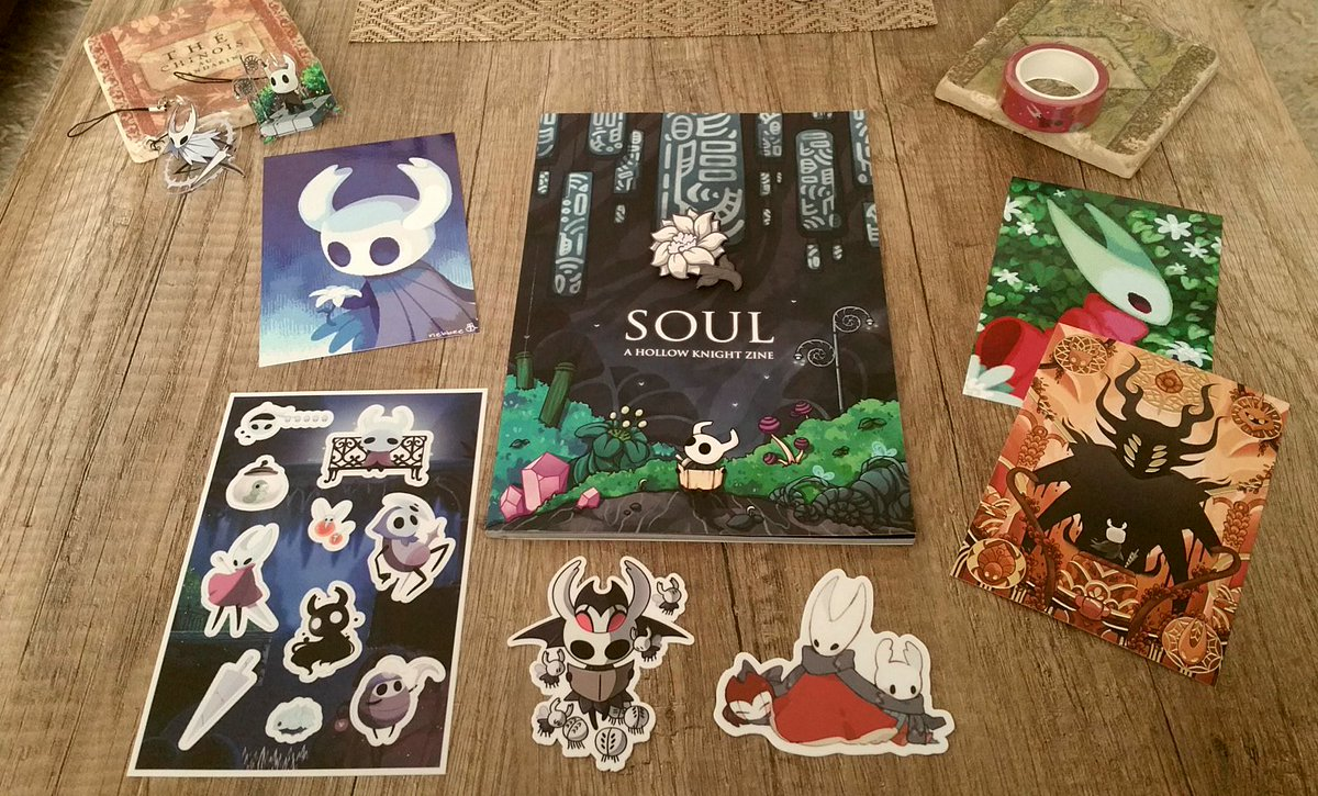 2/3 So BEAUTIFUL Hollow Knight zine! Thank you @SoulZine ♡ Damn, I will never use those stickers... so precious 😭