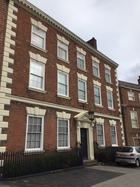 No.50 Welsh Row is a Georgian property, and was once home to Dr Frank Matthews around the turn of the 20th century. Next door is No.52, Townwell House built around 1740, home of Wickstead family. #WelshRowWednesdays #Cheshirehistory  #Discovernantwich #Nantwich #NantwichMuseumpic.twitter.com/KYcsLpqevl