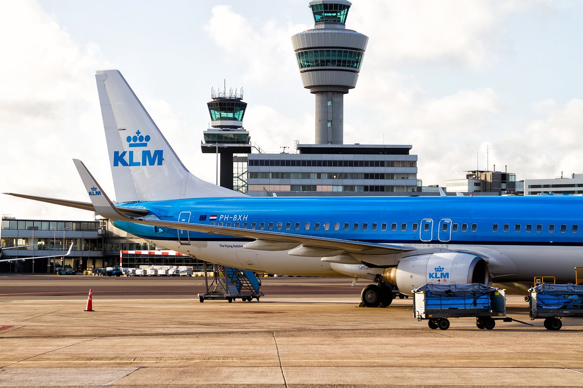🚨 #KLM ground crew employees will strike again tomorrow, from 8am to 10am. Last Monday's strike resulted in 67 flights, only 11 of which were announced in advance. If your flight is disrupted, you could be owed up to €600 in compensation. Claim now: https://t.co/ZAPwFFXcts https://t.co/QPlEwSrPxi
