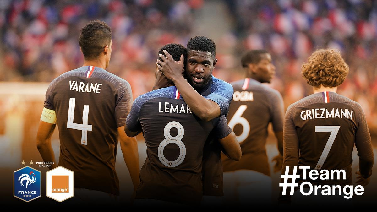 Les BLEUS 💙 Pour fêter le retour de l@equipedefrance au Stade de France 🏟, on toffre 2️⃣ places VIP 🎟 pour assister à la rencontre #FRAALB 🇫🇷🇦🇱 ! 🔄 RT & Follow pour aller encourager les #Bleus lors de leur 1er match de la saison ! #OrangePasseurdEmotions #TeamOrange