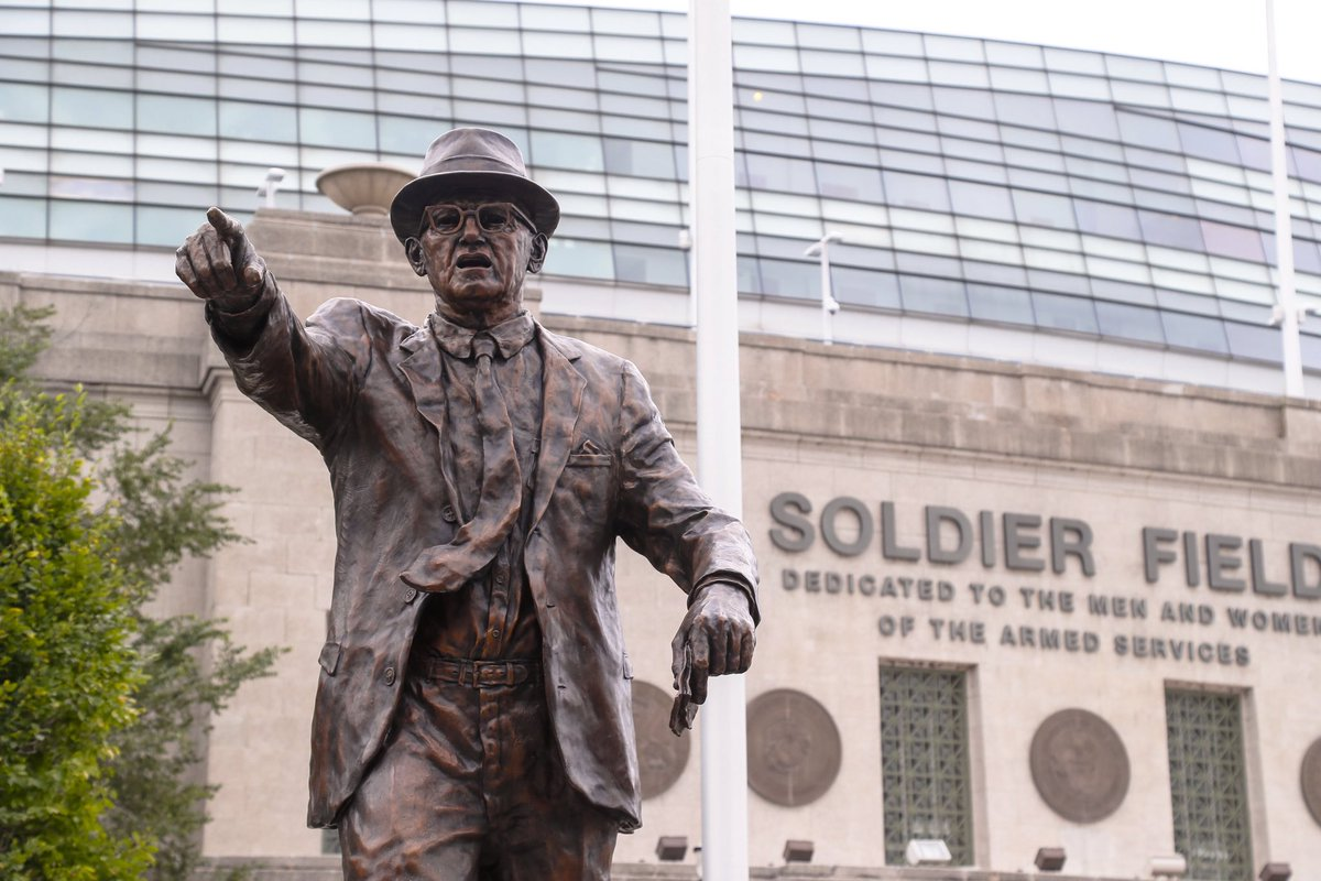 Walter Payton, George Halas immortalized with statues at Soldier Field