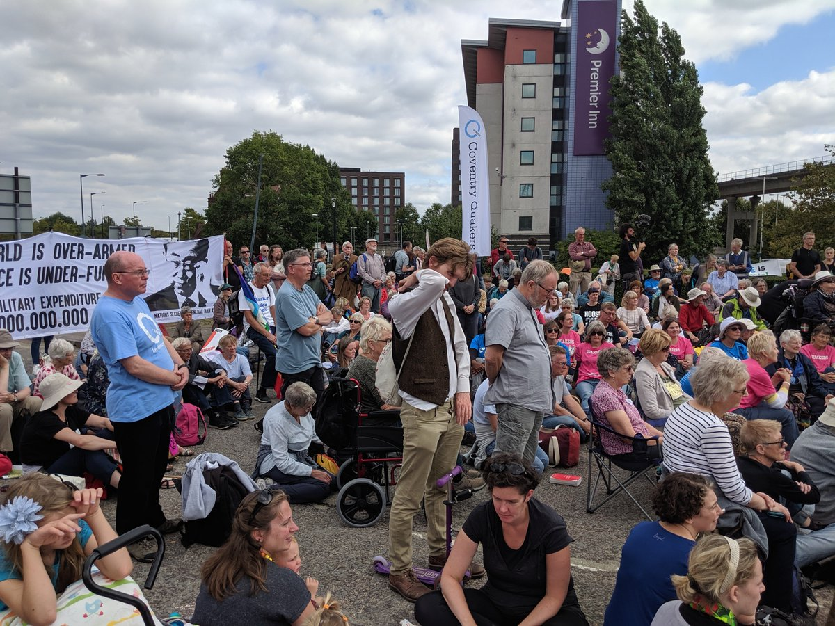 The police interrupted a @BritishQuakers Meeting for Worship yesterday then made 50+ arrests. I want to tell you the story. First off, it was big. Very big. Outside of a Yearly Meeting, I have never in 33 years of being a Quaker seen a Meeting this big.