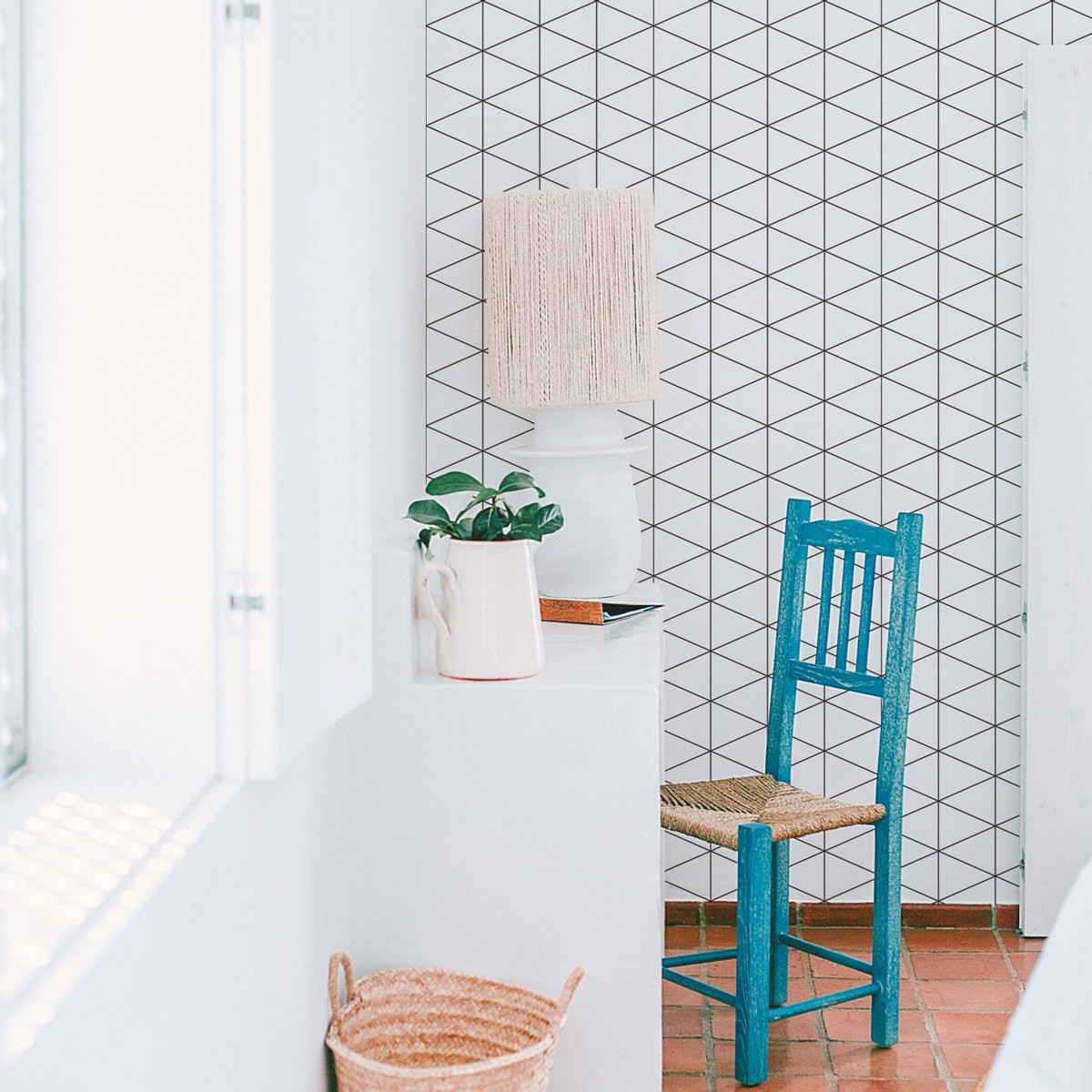 壁紙専門店 カベラボ 爽やかな 白いチェック 柄は色付の家具や雑貨と組み合わせやすく おしゃれ に インテリア に取り入れることが出来ます 北欧 北欧ナチュラル インテリア アクセントクロス 壁紙 壁 クロス 部屋 インテリア