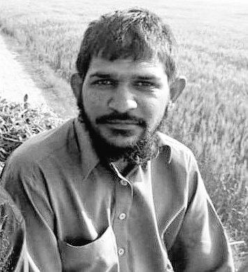 Jab log ye kehtey hain .. Khuda dekh raha haiMe sochnay lagta hun k ... Kya dekh raha hai?#Salahuddin