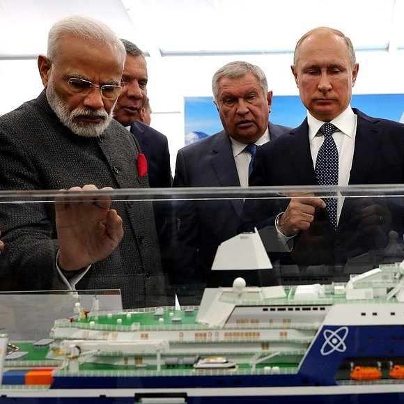 President Of Russia On Twitter Vladimir Putin And Prime Minister Of India Narendra Modi Visited The Zvezda Shipyard And Held Talks Https T Co Cmfwkjtb9x Https T Co V93szoi6os