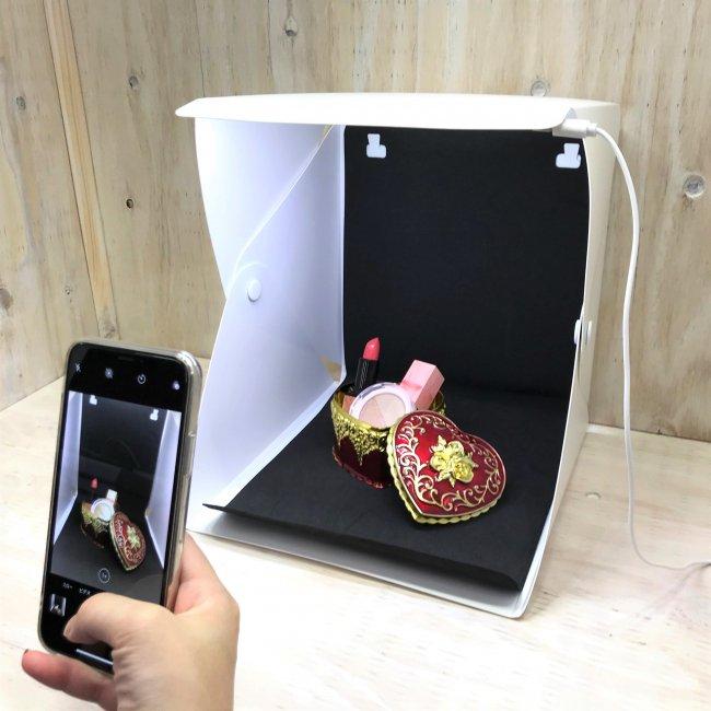 【50RT】【フィギュア撮影用に】サンキューマートから「LED付き撮影ボックス」発売開始 390円(税別)!