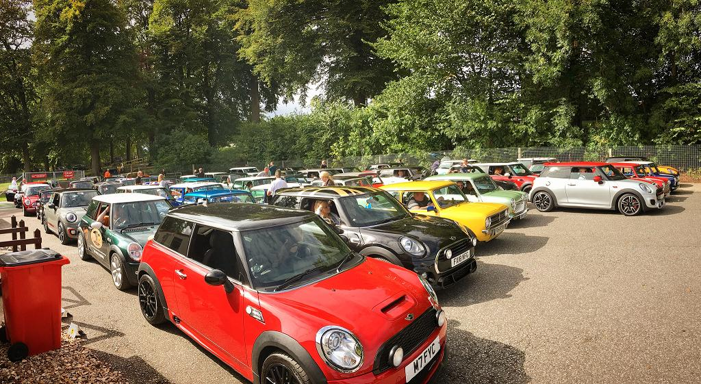 🇬🇧6️⃣0️⃣🇬🇧 years. Thats how old the Mini is this year, and well be celebrating with a display of 82 of them here at Cadwell Parks MSVR Mini Challenge Cooper race day this weekend. This should be largest gathering of one particular type of car weve ever had at at Cadwell Park!