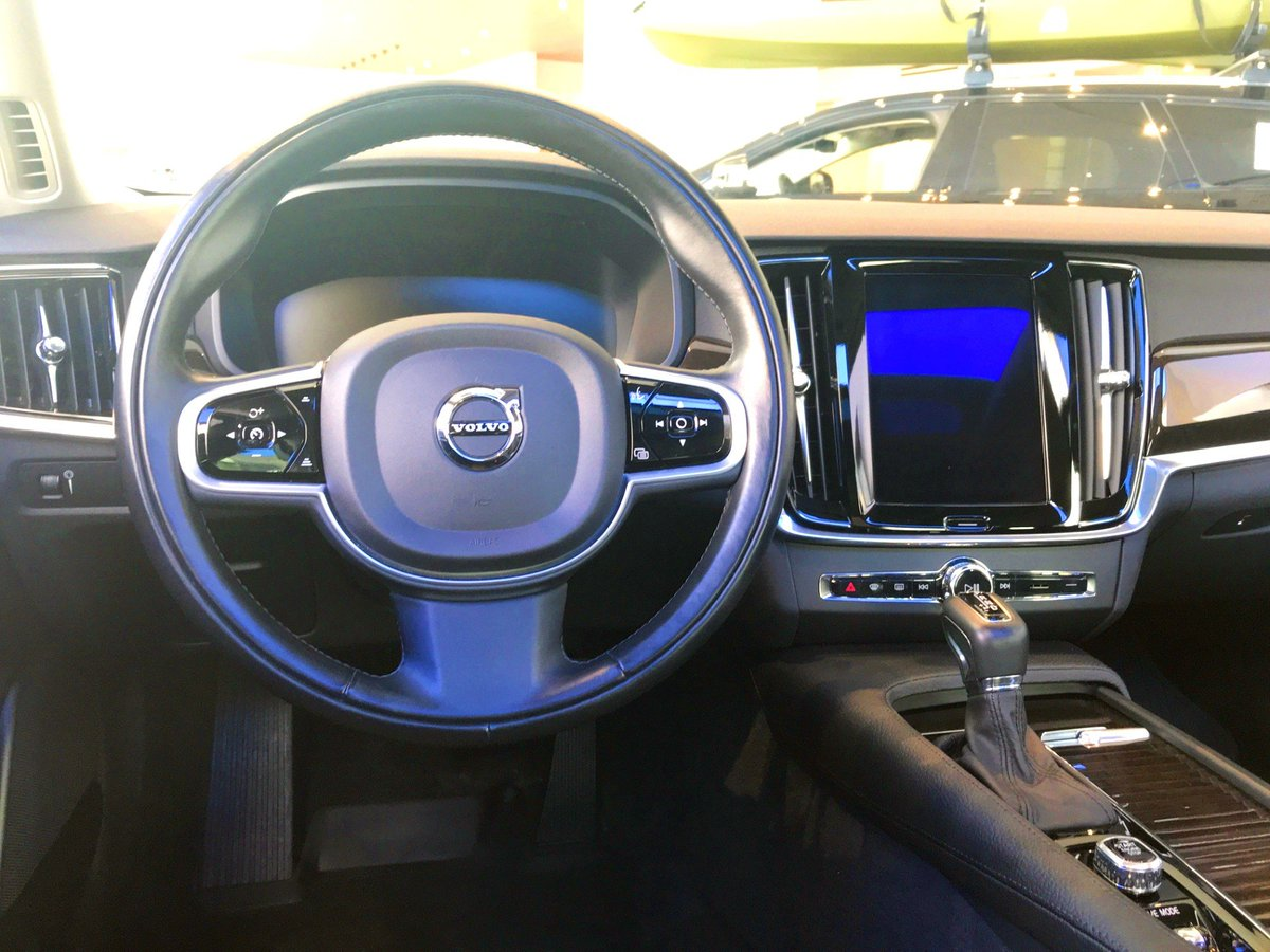 Fields Waukesha On Twitter The 2018 Volvo S90 T5 Awd Volvo S Flagship Sedan Offers Comfort Luxury In A Beautiful Package The Equipped 2 0l 4 Cyl Turbo Engine Provides Both Enhanced Performance
