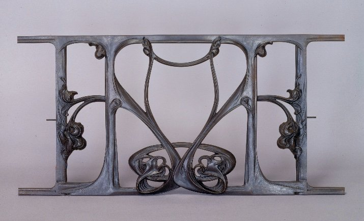 #Design Awesome of the Day: #ArtNouveau Cast-iron Balustrade Designed by Hector Guimard (1905) via @AntiquesMag #SamaDesign