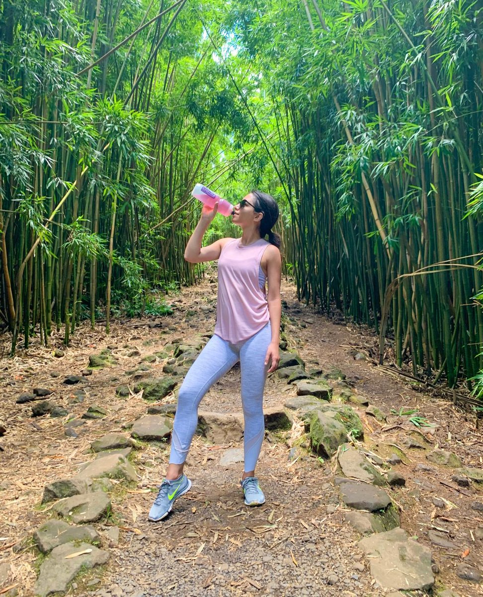 🎋Your mid-week may surroundings may not look like this.. but it CAN taste like it with Ultima! #GoUltima . 📷 (@fitfoods) . #ultima #ultimareplenisher #nosugar #nocarbs #nocalories #electrolyte #cleandrinking #hydration #beattheheat #electrolytes #healthyhydration #plantbased