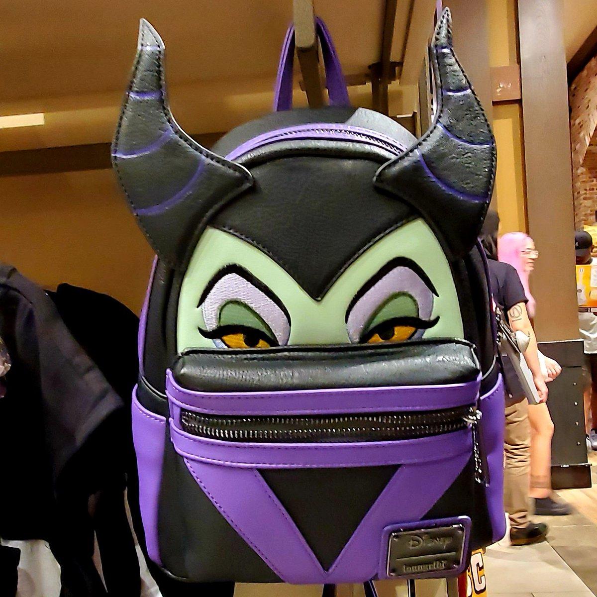 Sasaki Time On Twitter Disneylandtoday This Maleficent