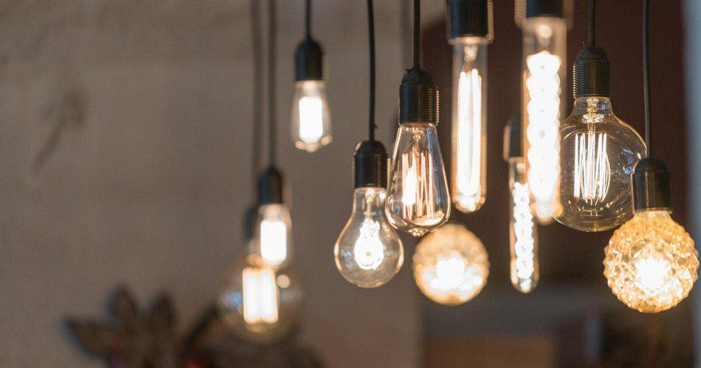 Trump rolls back Obama-era regulations on energy-efficient light bulbs