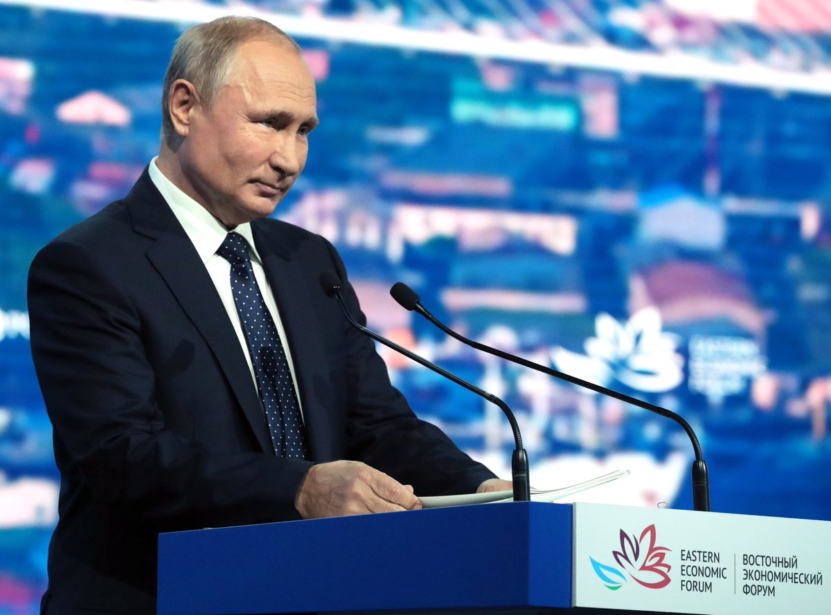 Vladimir Putin addressed the plenary session of the Eastern Economic Forum bit.ly/2k15U85