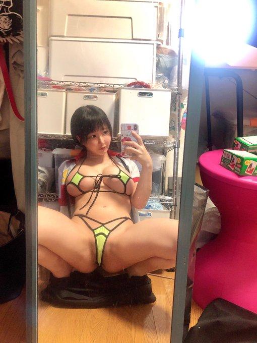 グラビアアイドル雨宮留菜のTwitter自撮りエロ画像4