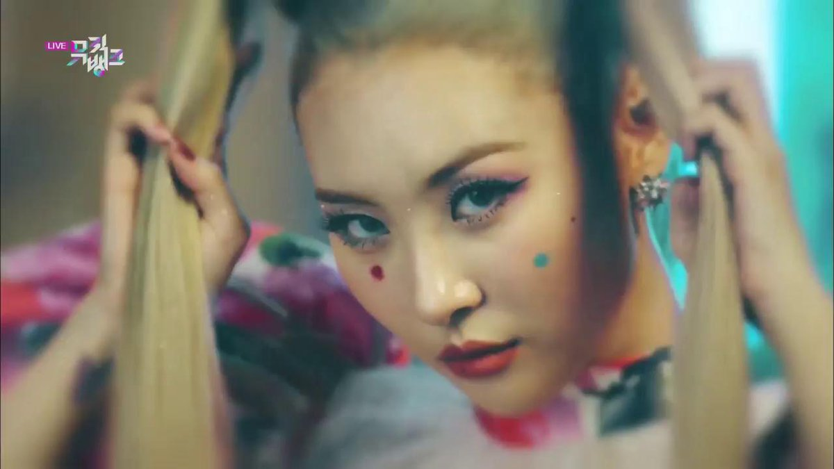 [#MusicBank Admins weekly pick ❤️🎵] WATCH THE HOT COMEBACK STAGE of #SUNMI!! #Lalalay @official_sunmi_ #kpop