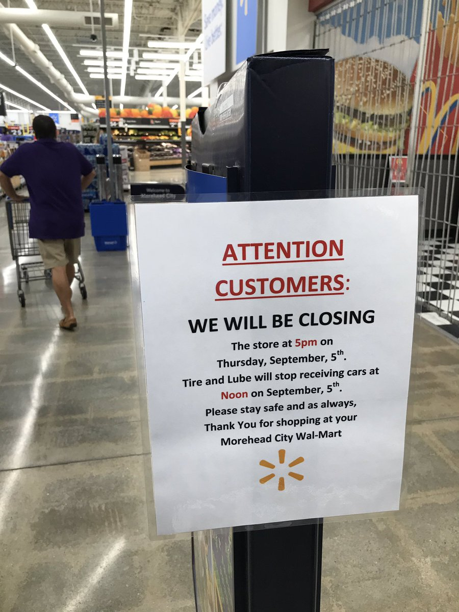 The final hours to stock up at #Walmart before #Dorian hits the area. #wakeupclt #devaynetv<br>http://pic.twitter.com/y2rItamdVa