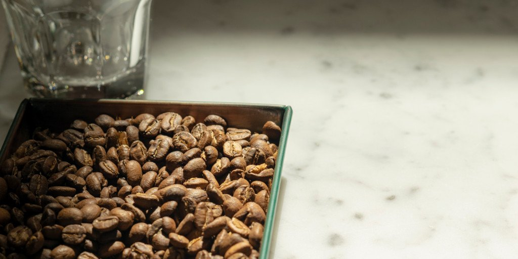 Just getting into small batch roasting? Our Intro to Roasting course is just for you: royalcoffee.com/event/introduc… #thecrownOAK #oakland #specialtycoffee #opensourcecoffee #coffeeroaster