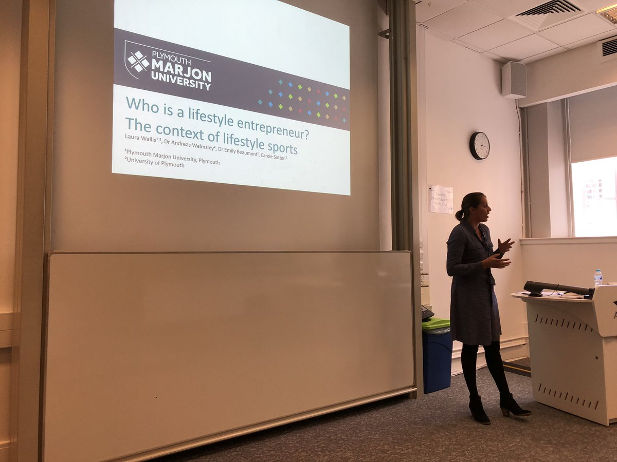 @laurawallis17 in action presenting at #BAM2019 on lifestyle entrepreneurship @bam_ac_uk