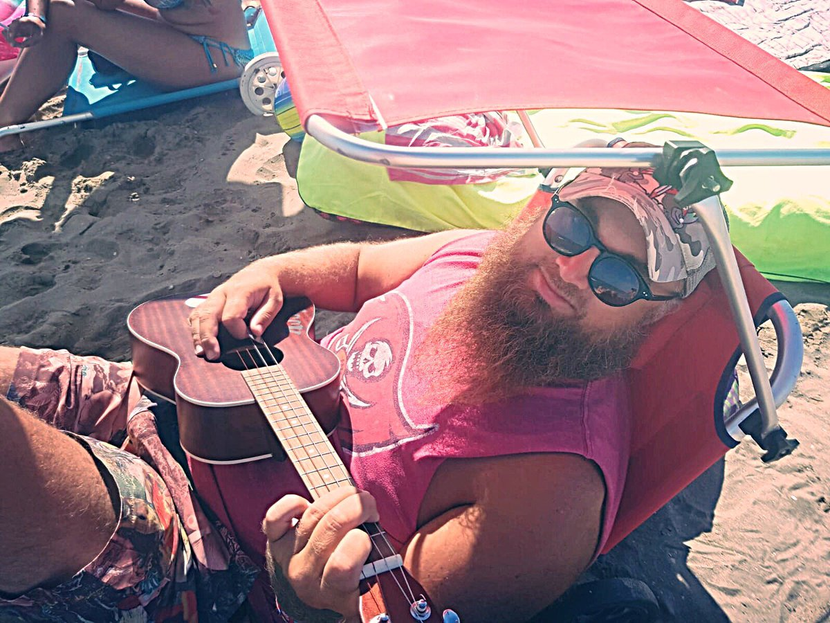 Sitting on the beach in Italy playing my @kalabrandmusic baritone ukulele and repping the @Buccaneers as always. Can't wait for the game on Sunday!! #ukulele #baritoneukulele <br>http://pic.twitter.com/tDmJKZ7rwZ – à Marina Di Venezia Beach