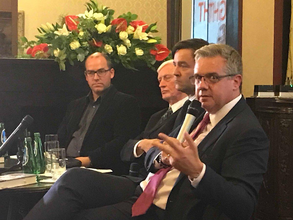 Die Pionierrolle im Emissionsgeschäft mit Finanzderivaten: Empirische Analyse des deutschen Optionsscheinmarktes