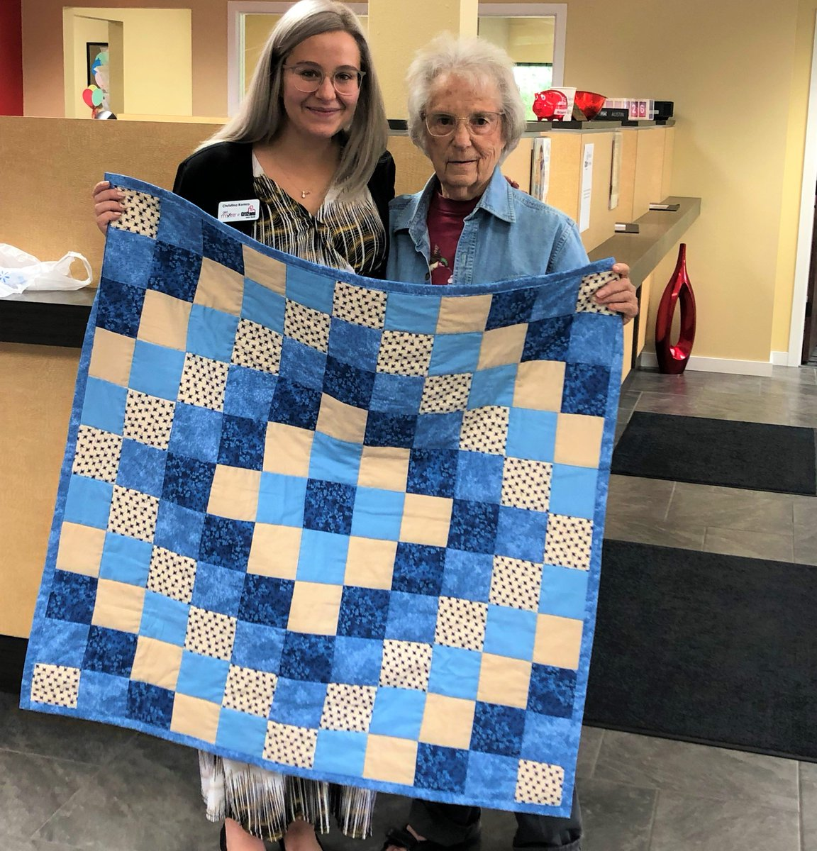 Our customers are family... and here is photographic evidence!  The awesome Christina K. in our Eau Claire office is rapidly approaching the welcoming of a little bundle of joy...and one of our customers made her a gorgeous quilt to celebrate the occasion! #CitizensExperience https://t.co/cI41Z6zi4v