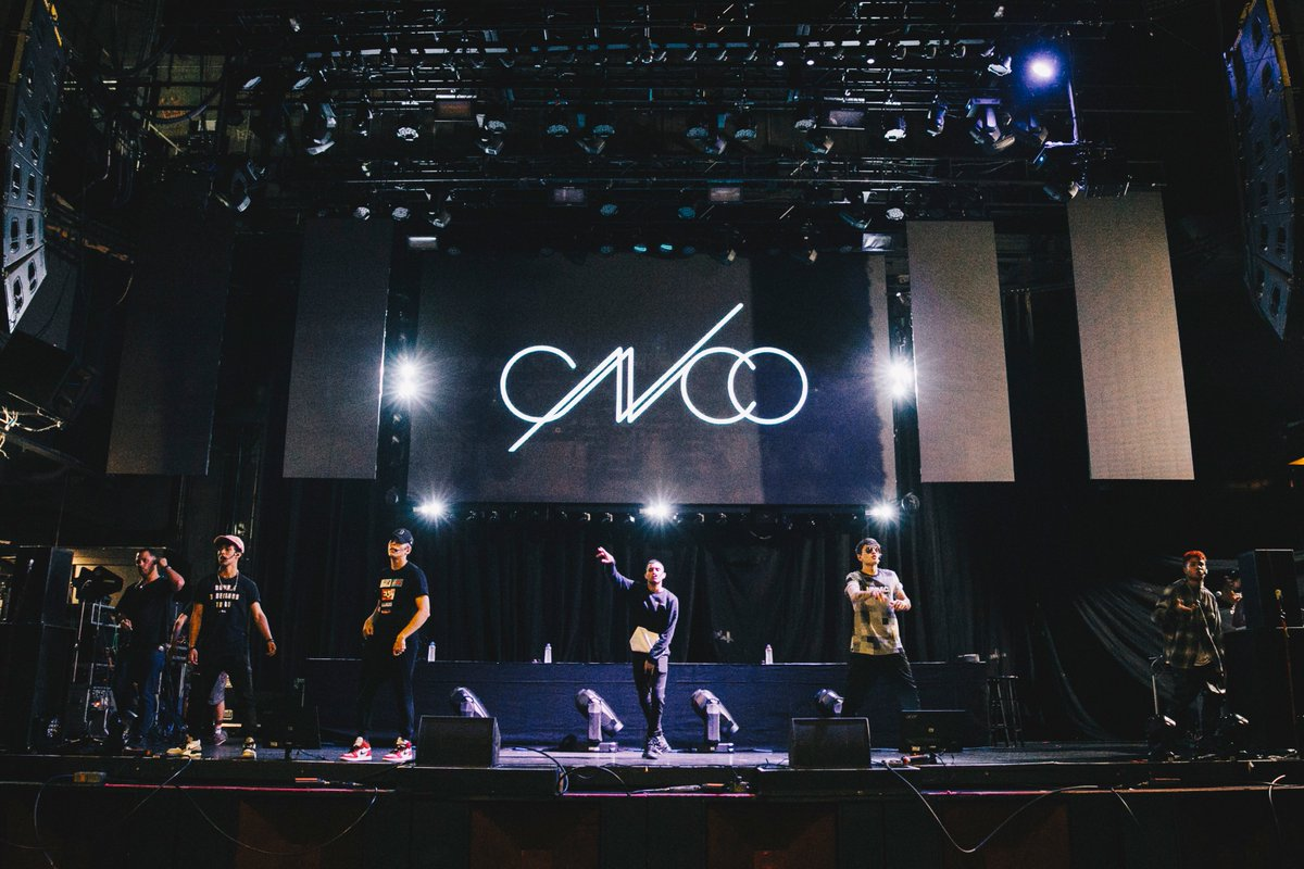 .@cncomusic practicing those famous dance moves for tonight's En Vivo show in L.A! @pepsi #ad #bbenvivo #pepsiamplify<br>http://pic.twitter.com/IXcT9A16mT
