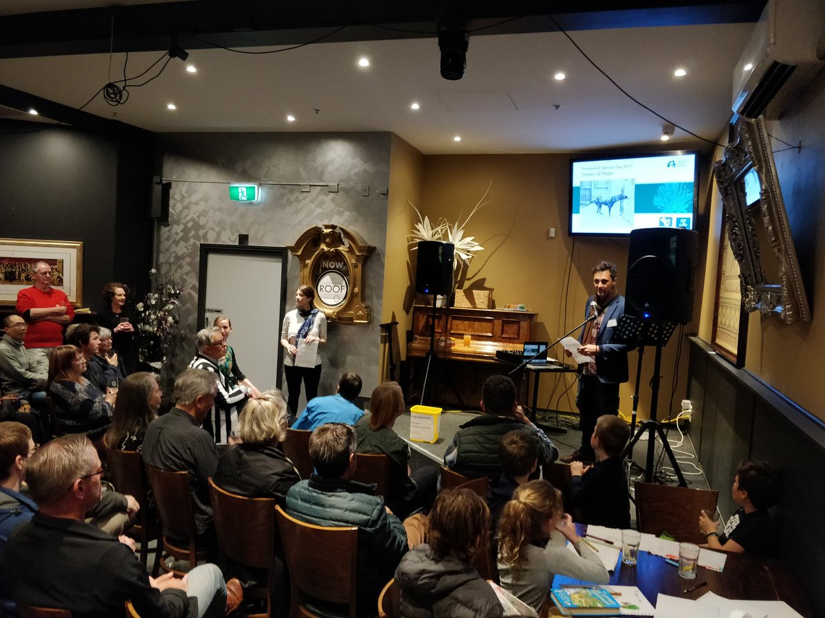A HUGE turnout in Melbourne tonight to hear messages of conservation hope ahead of #ThreatenedSpeciesDay coordinated by @TSR_Hub @BrenWintle #conservationoptimism Rate of species loss is ⬆️ but there are things we can do to stop it! We need to spend the $$ though. @TSCommissioner