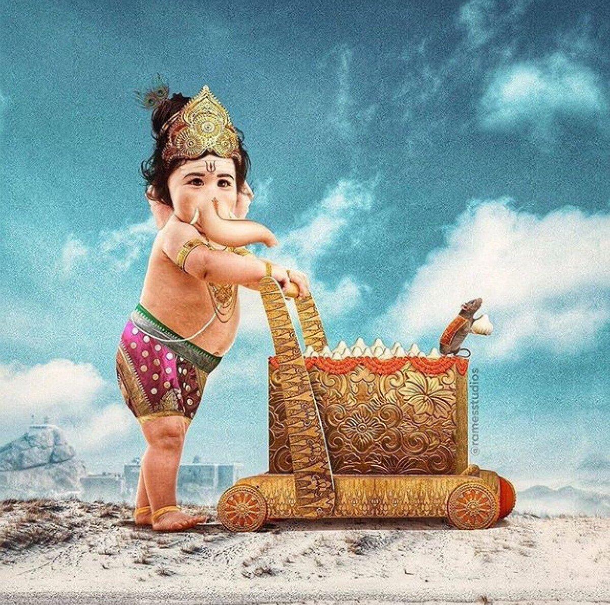 """Sadhavi Khosla🇮🇳 on Twitter: """"Here's our Vighnaharta Ganesh- the ..."""