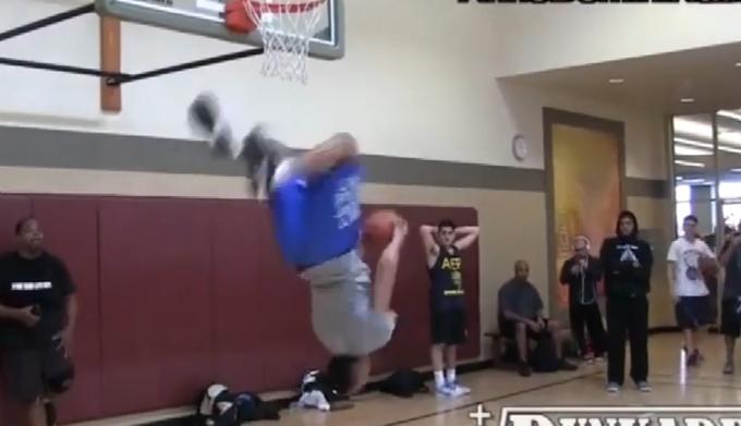 【影片】超人彈跳力!美國極限扣將Jonathan Clark十大灌籃!