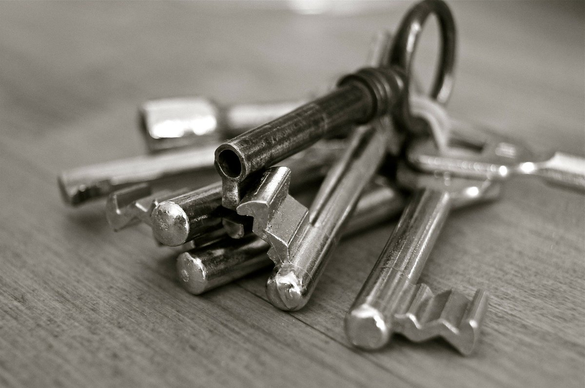 Many enterprises lack standards in their use of foreign keys. The end result? A mess! @erwininctweets Data Modeler deploys rigorous standards definition and usage #datamodleing #datamanagement #dataquality<br>http://pic.twitter.com/C5kD2OQm7a