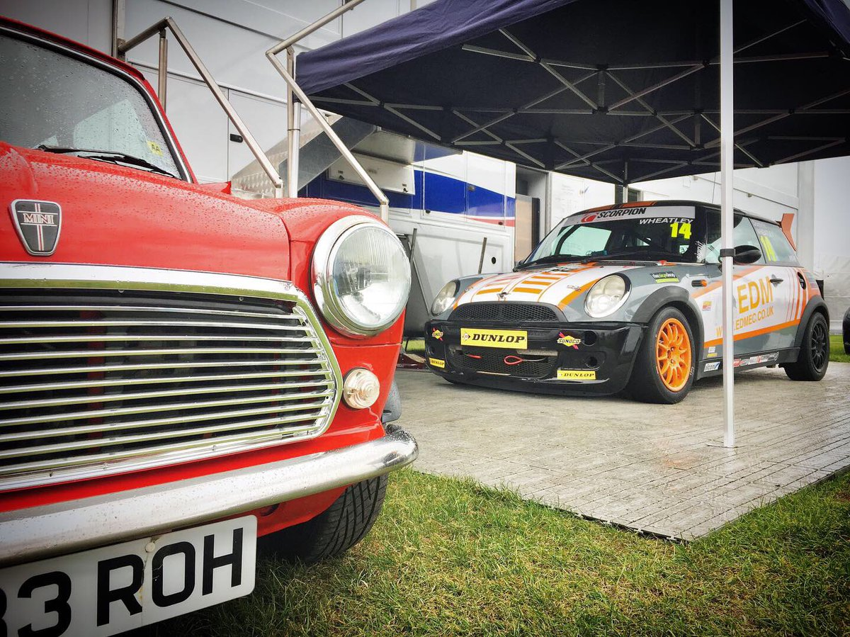 We're having a Mini [Challenge] adventure this Saturday at #CadwellPark, and you're all invited! As well as the Minis, we've got action from Heritage Formula Fords and Classic Touring Cars. Coming? Spectator information and ticket prices, here 👀👇🏻 news.cadwellpark.co.uk/cp-msvr-mini-c…