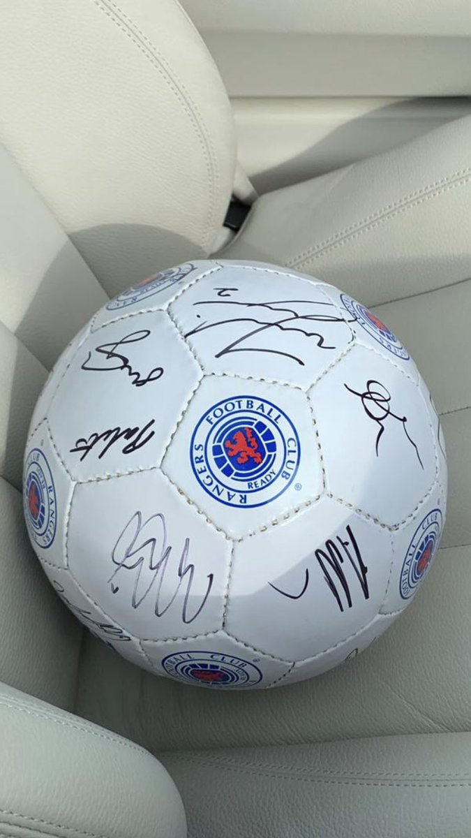 * COMPETITION * We have teamed up with our club sponsors @32Red to give away two Rangers footballs signed by 1st team squad (similar to pic) To win - 🔴 Like & RT ⚪️ Follow @32Red & @4ladshadadream 🔵 Post #32red4ladscomp *Winner chosen at random on Tuesday 10/09 1800hrs*
