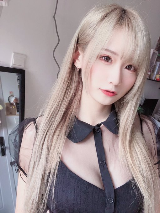 コスプレイヤー莉酱LusiaのTwitter自撮りエロ画像14