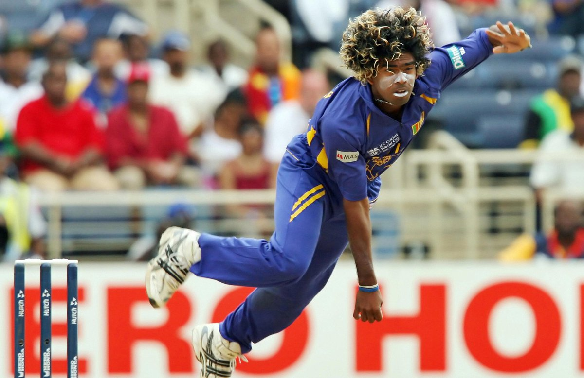 2007: Pollock, Hall, Kallis, Ntini - First bowler to take 4 wickets in 4 balls in an ODI.  2019: Munro, Rutherford, Grandhomme, Taylor - First bowler to take 4 wickets in 4 balls in a T20I.  #Malinga has done it again, Unbelievable. #SLvNZ #NZvSL<br>http://pic.twitter.com/CFOTRA6oYz