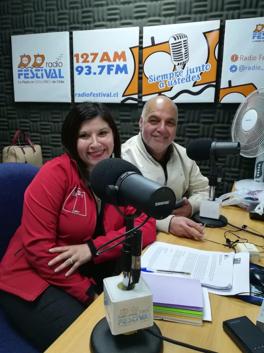 #EstamosAlAire 📻🎙Acompañados de nuestra seremi @Evelyn_Mansilla y @estodoWilliams  damos inicio a #LaSobremesa de @radio_festival para responder las dudas y consultas de todos los vecinos de la región 👉🏻Sintonízanos a través de la 93.7 FM y 127 AM #ChileEnMarcha