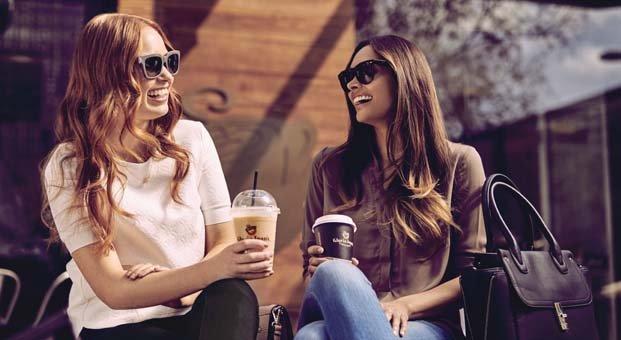 Gloria Jean's Coffees üniversiteli gençlerin arkadaşlık isteğini kabul etti