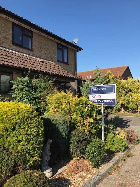 Just SOLD a 3 bedroom semi detached house with garden and garage and we have another 3 bedroom house available on Foxglove Close.  Call Mike Watters on 01425 270055 for your free valuation and / or to view.<br>http://pic.twitter.com/mksJp2Uilc